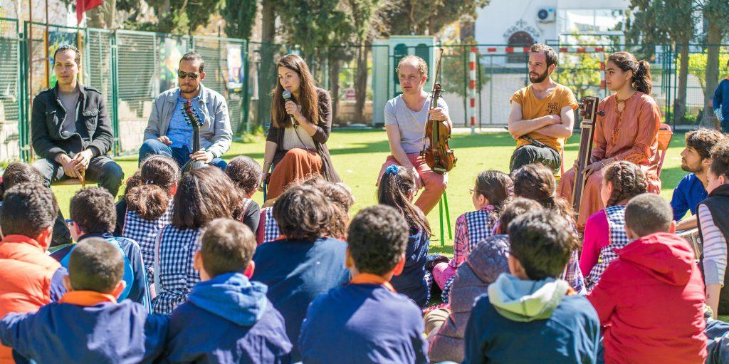 Charlotte Courtois et le groupe Lyra en Tunisie